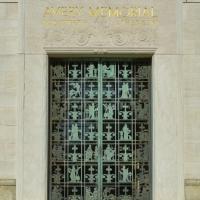 Avery-door