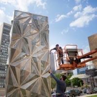 Shawcross-Monolith(Optic)-installation